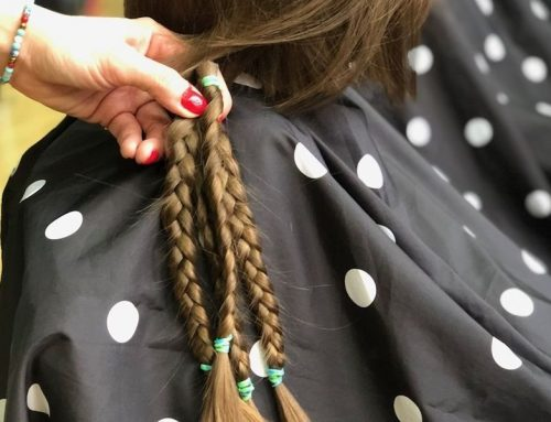 Oddały swoje włosy kobietom chorym na raka