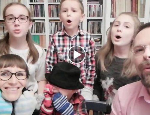 Felek z zespołem Downa i jego śpiewająca rodzina