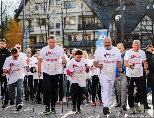 """Marsz Nordic Walking """"TAK dla transplantacji"""" z udziałem prezydenta Dudy"""