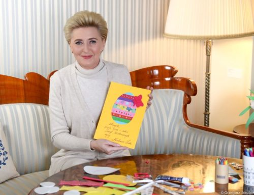 Pierwsza Dama zachęca dzieci do wysyłanie świątecznych kartek samotnym i potrzebującym