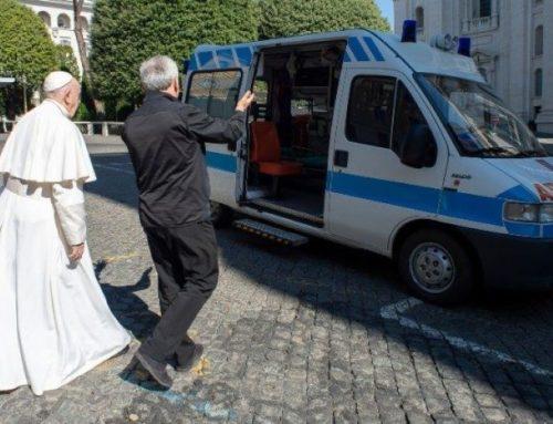 Watykan: karetka dla bezdomnych