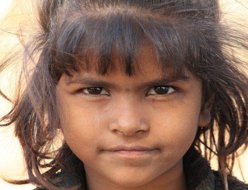 Brakujące dziewczynki w Indiach to efekt aborcji selektywnej. Badania mówią o 6 mln kobiet