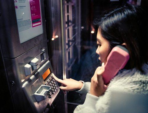 """Japonia: """"biały telefon"""" łagodzi rozpacz po nagłym odejściu bliskich"""